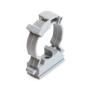 Fastener-clip with a lock for pipe mounting
