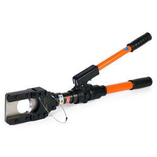 Hand-operated hydraulic cutter for cables and steel wire ropes